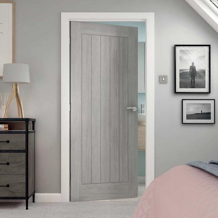 Модерна Интериорна Врата в светъл цвят